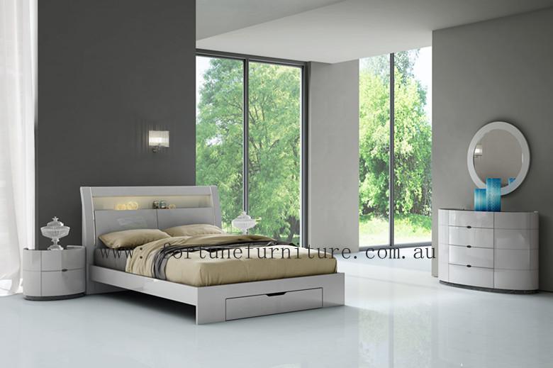 agela grey bedding suite