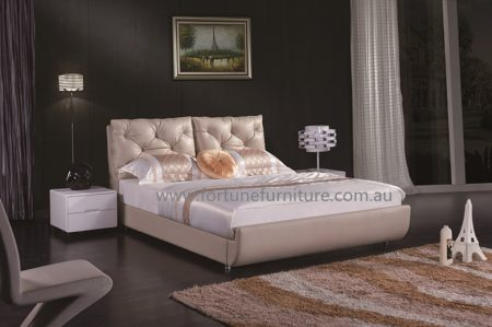Susan Leather Bed